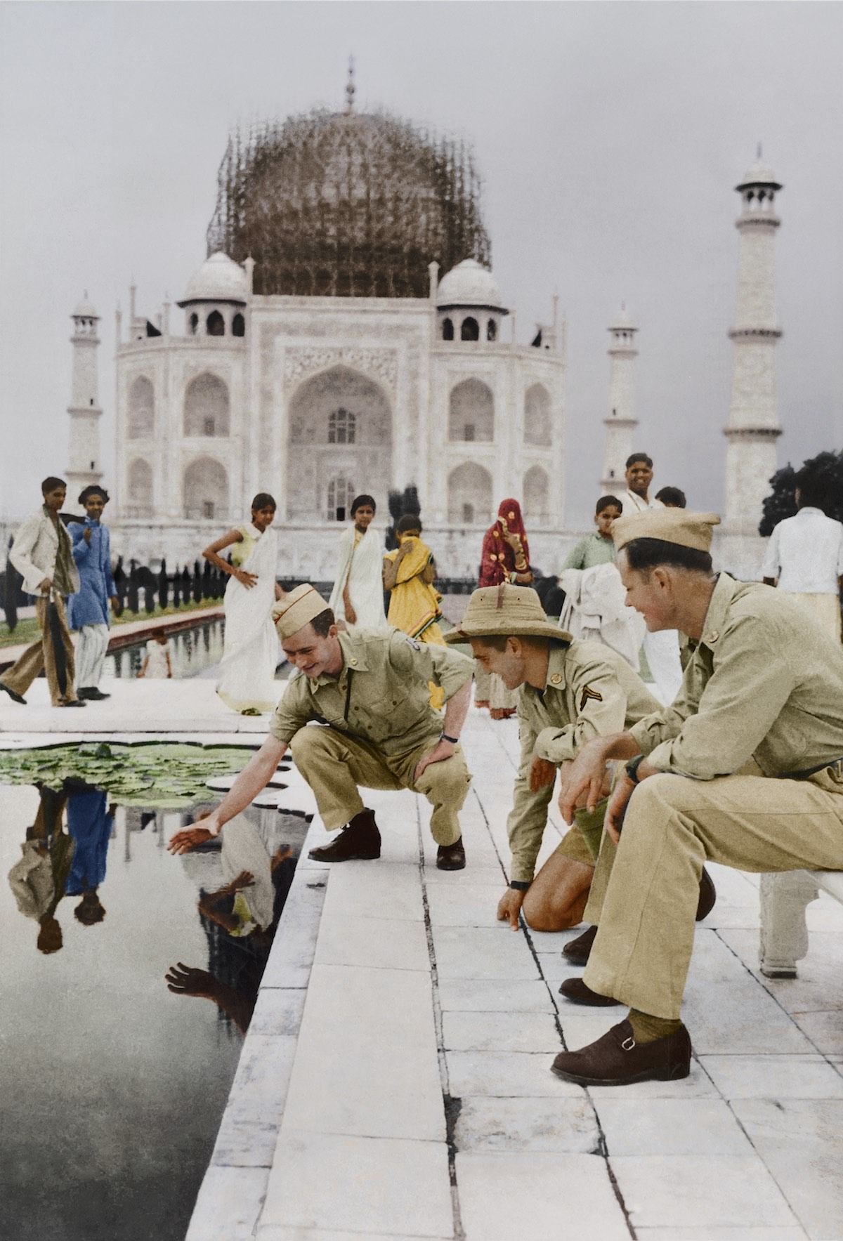 10.Taj_Mahal(color)